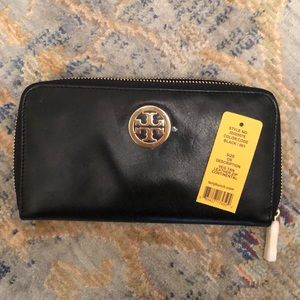 New Tory Burch Black Leather Wallet